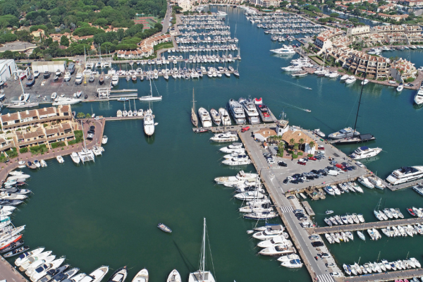 Rent a boat online with Med Yacht - Rental base in the Gulf of St Tropez